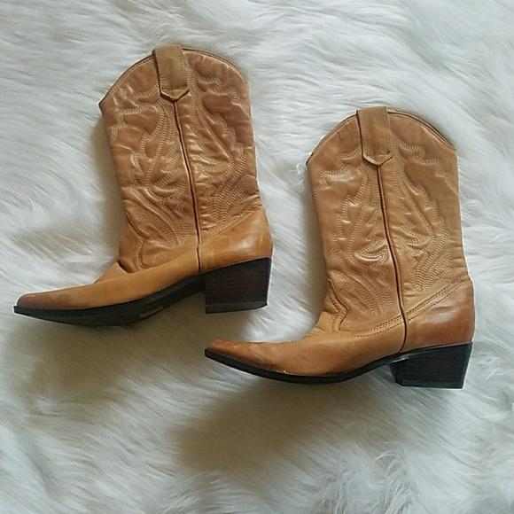 73ae24a2ca8 Aldo womens cowgirl boots